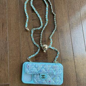 CC phone case iPhone 12 Pro adjustable strap